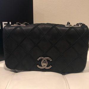 5adebf6f2a5f Women's Chanel Diamond Flap Bag on Poshmark